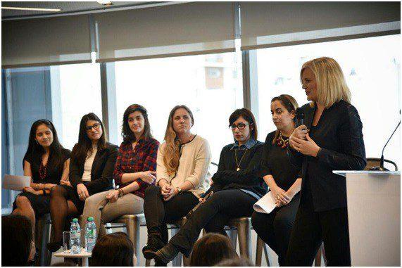 Technology: Women and teamwork. Closing the gap